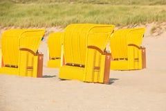 Strandkorb de chaises en osier de plage Photo libre de droits