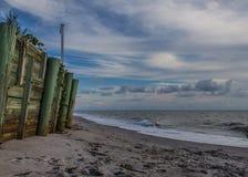 Strandkustlijn Houten Pier Ocean Royalty-vrije Stock Foto's
