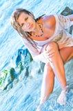 strandkvinnlig som poserar sexigt barn Royaltyfri Bild
