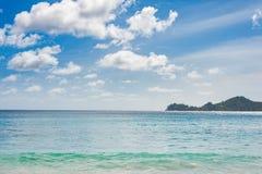 Strandlandskap i Seychellerna Mahe Island arkivfoto