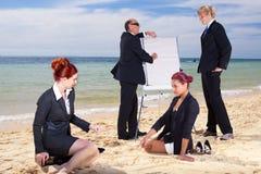 strandmöte royaltyfria foton
