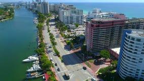 Strandnahe Kondominien des Miami Beachs stock footage