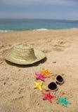 Strandobjekt, sand och sjöstjärnor Royaltyfri Foto