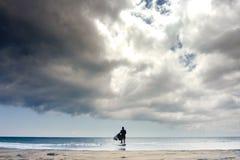 strandoklarheter över Arkivbild