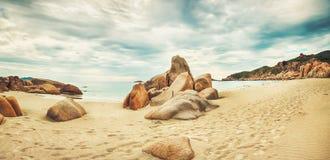 Strandpanorama stock afbeeldingen