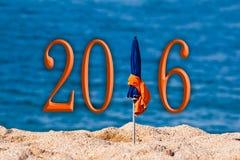 2016, strandparaplu Stock Afbeeldingen