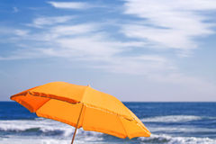 strandparaply Arkivfoto