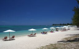 strandparaply Fotografering för Bildbyråer
