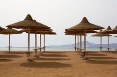 strandparaplyer Royaltyfria Bilder