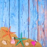 Strandplakat mit Starfishes Lizenzfreie Stockfotos