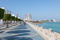 Strandpromenad i Abu Dhabi Arkivfoton