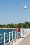 Strandpromenad på den Sarnia fjärdlodlinjen arkivbilder