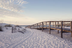 Strandpromenade Rosy Dawn Stock Afbeeldingen