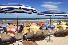 Strandregenschirme Stockfoto