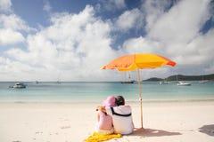 strandromantiker whitehaven royaltyfri foto