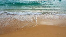 Strandsand und Meerwasser Lizenzfreie Stockfotos
