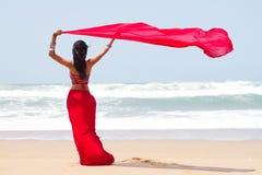 strandsarongkvinna Arkivbild