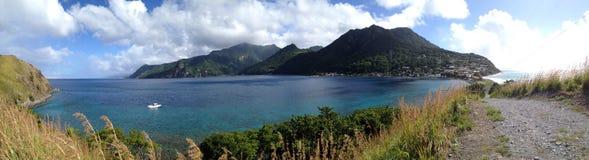 Strandscène in Dominica, de Antillen stock afbeeldingen