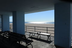 Strandscène door de Oceaan in Coney Island, Stock Afbeeldingen