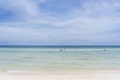Strandscène in het eiland van Phu Quoc Royalty-vrije Stock Foto