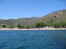 Strandsikt från havet Arkivbild