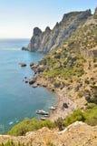 Strandsikt från udde Kapchik ny värld crimea royaltyfria foton