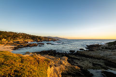 Strandsikt längs berömt 17 mil drev - Monterey, Kalifornien, USA Arkivbild