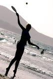strandsilhouette royaltyfria bilder