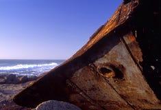 strandskeppsbrott arkivbild