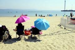 Strandslags solskydd, Weymouth, Dorset, UK Fotografering för Bildbyråer