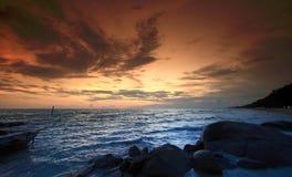 strandsolnedgång royaltyfria bilder