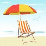 Strandstühle und -regenschirm lizenzfreie abbildung