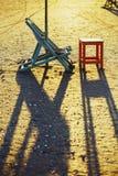Strandstol och tabell, Damietta, Egypten Arkivbilder