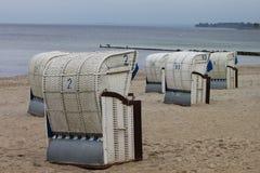 Strandstolar tillbaka Royaltyfri Fotografi