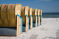 Strandstuhl lizenzfreie stockfotos