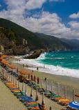 Strandszene im Ferienzentrum Italien Stockfoto