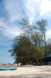 Strandszene in Malaysia Stockbilder