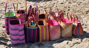 Strandtaschen für Verkauf Stockbild
