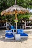 Strandvakantie op het eilanden favoriete strand, favoriete chaise Stock Foto