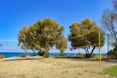 Strandvolleyboll på sanden Arkivbilder