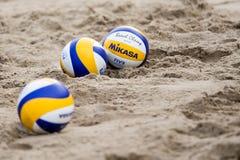 Strandvolleybollar i sanden Royaltyfri Foto