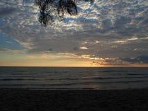 Strandwolke und -meer Lizenzfreie Stockbilder