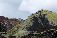 Strangelly ha colorato le montagne ad area di Lakagigar, Islanda Fotografie Stock