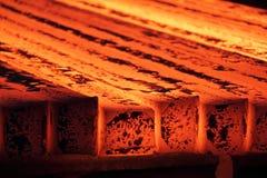 Stranggießenmaschine in der metallurgischen Anlage Lizenzfreie Stockfotos