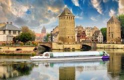 Strasbourg Alsace, Frankrike Traditionell halva timrade hus av Petite France royaltyfria foton