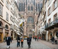 Strasbourg France après des attaques terroristes au marché de Noël images libres de droits