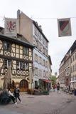 Strasbourg Frankrike - 3 Maj, 2016: Härlig gammal stad av Strasbour Royaltyfri Fotografi