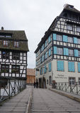 Strasbourg Frankrike - 3 Maj, 2016: Härlig gammal stad av Strasbour Royaltyfria Bilder