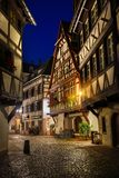 Strasbourg i natten Arkivfoton