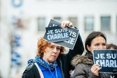 Strasbourg rymmer tyst vaka för de som dödas i Paris attack Royaltyfri Bild